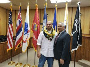 Kona BIVTC Judge Melvin Fujino congratulates Steve Emmett.