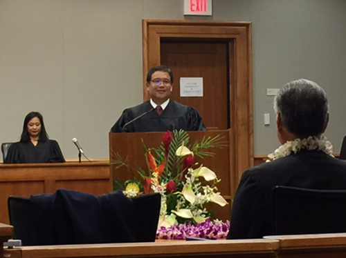 Judge Henry T. Nakamoto addresses the court for the first time as Judge of the Circuit Court of the Third Circuit.