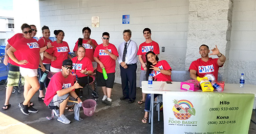Third Circuit Chief Judge Greg Nakamura with Drug Court volunteers at the 05/17/19 National Drug Court Month food drive.