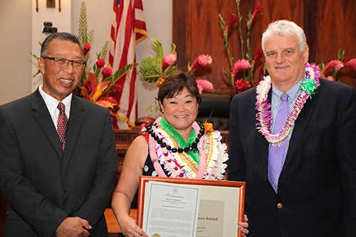 Alt: Denise Villanova, Second Circuit (Maui, Molokai, Lanai) Court Administrator of the Court & Operational Support Services Branch, with Intermediate Court of Appeals Associate Judge Derrick H.M. Chan and Hawaii Supreme Court Chief Justice Mark E. Recktenwald, in the Supreme Court courtroom, 09/30/2019.