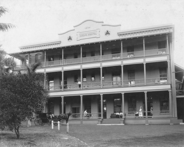 Photo of Queens Hospital in 1905.