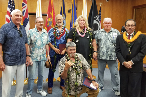 Big Island Veterans Treatment Court Kona Judge Ronald Ibarra, Veteran Mentors, and 3 Veteran Graduates.